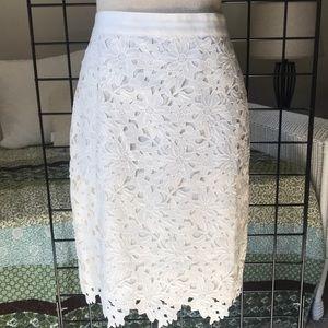 LOFT Ivory Floral Lace Pencil Skirt Sz 6